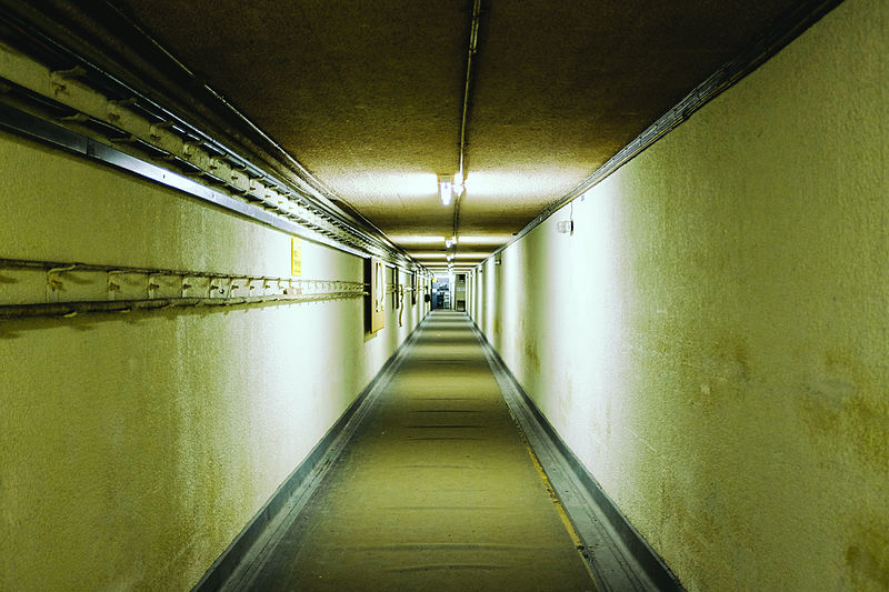 800px-Nuclear_Bunker_(26)